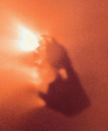 halley-photo-by-spacecraft-giotto-in-1986-leaving-earth-vicinity